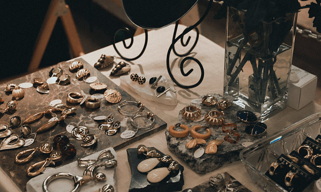 Vintage marketplace Moscow